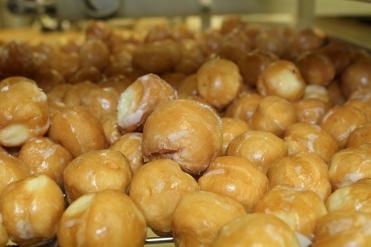 Glazed donut holes